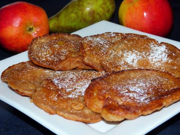 Kakaowe placuszki na kefirze z jabłkiem i gruszką