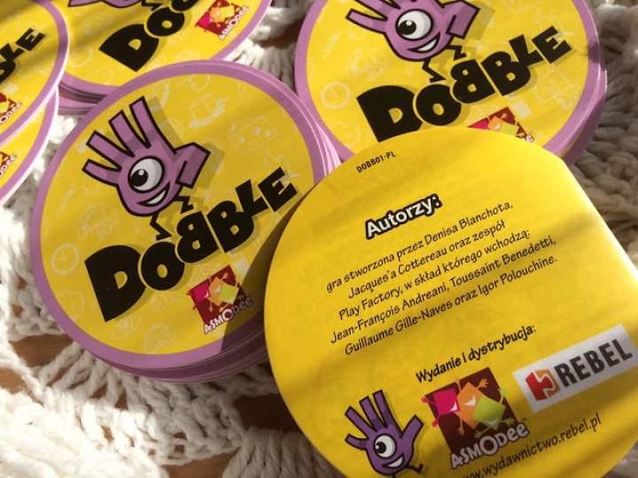 """""""Dobble"""" – gra, która rozkręci każdą imprezę!"""