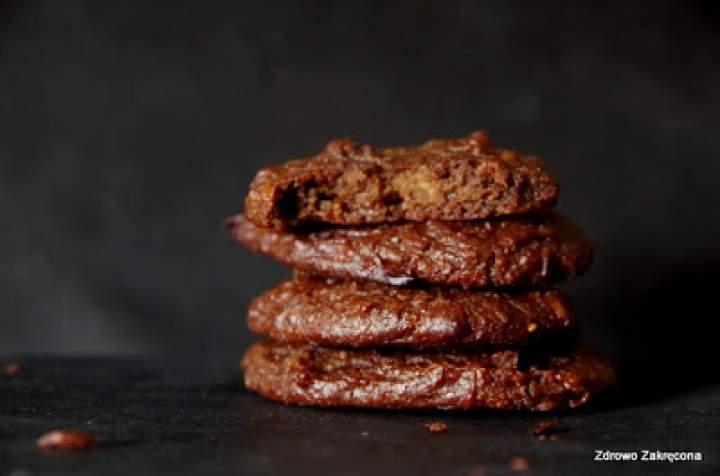 Bezglutenowe wegańskie ciastka brownie z pieczonej dyni