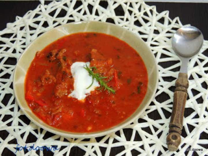 Zupa gulaszowa z wołowiny