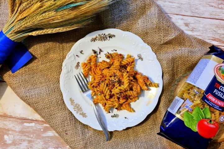 Makaron z sosem z suszonych pomidorów