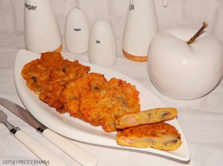 Placuszki z szynką, pieczarkami i serem