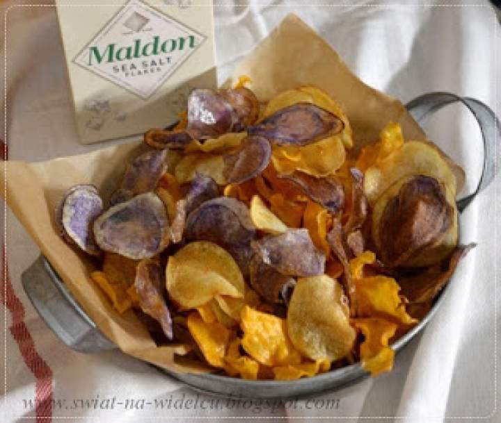 Chipsy z kolorowych ziemniaków