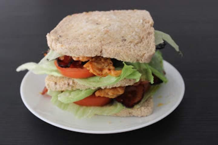 Kanapka American Club Sandwich