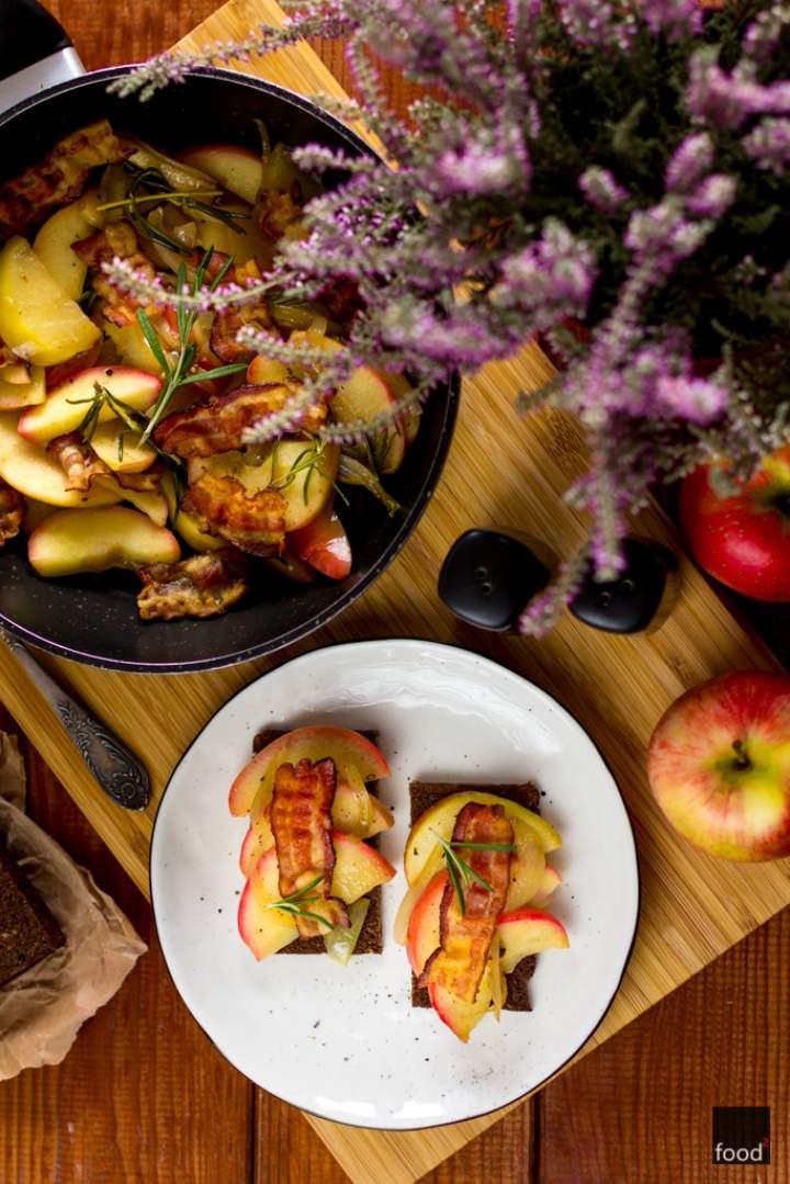 Æbleflæsk – jabłka z bekonem po duńsku