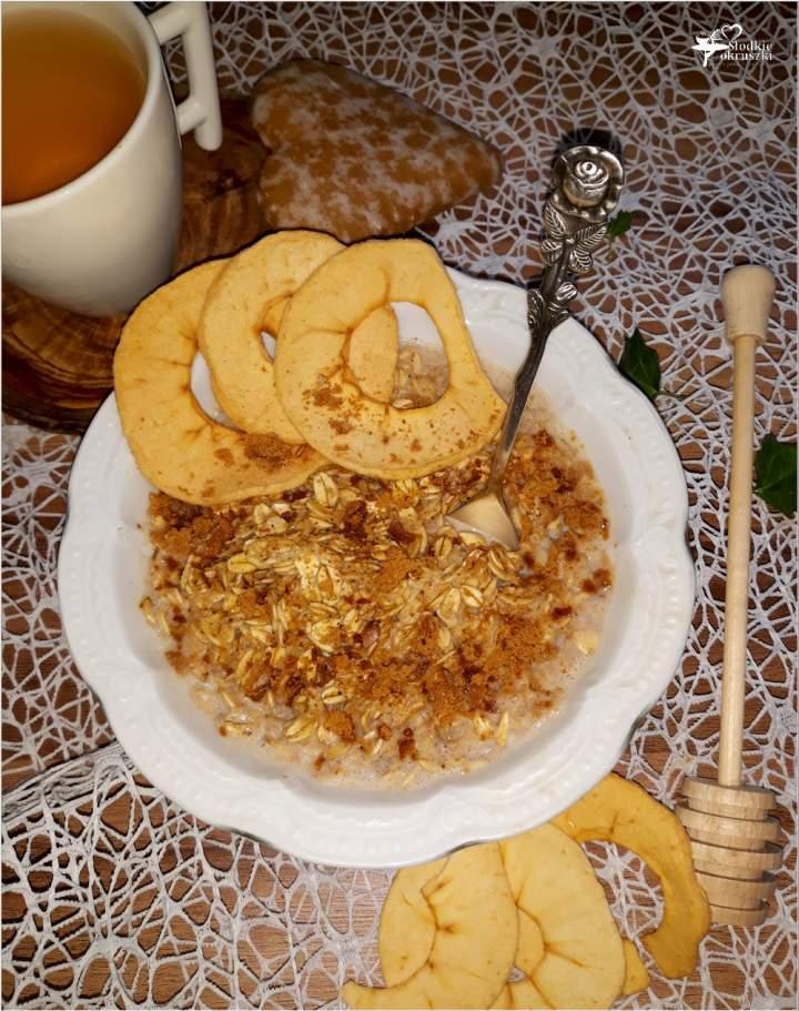 Piernikowa owsianka śniadaniowa