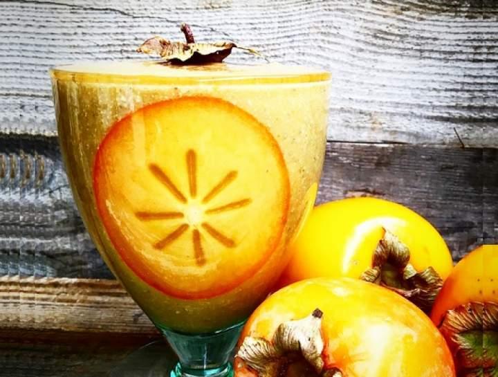 persymona + słonecznk + pestki dyni + banan + kurkuma + woda kokosowa + woda gazowana