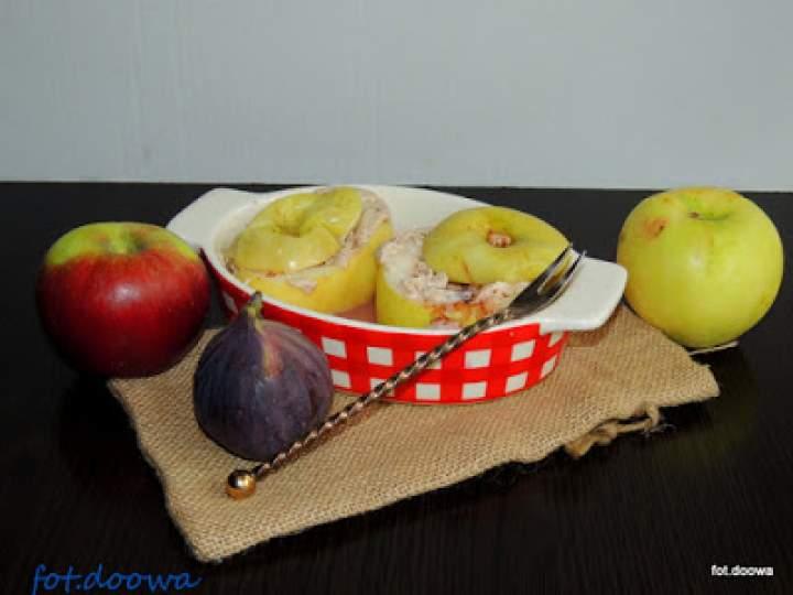 Jabłka zapiekane z serem i figami