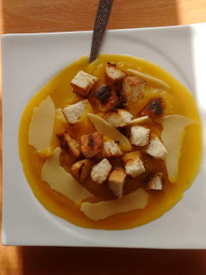 Zupa dyniowo- imbirowa krem
