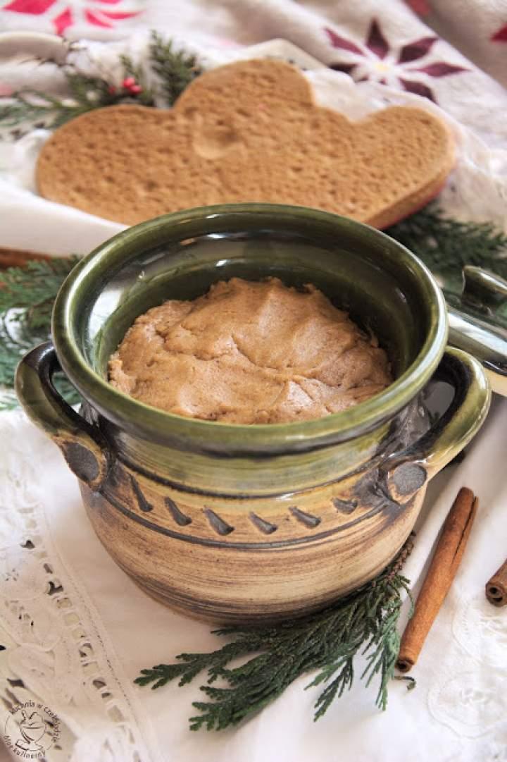 Ciasto na piernik staropolski (długo dojrzewający)