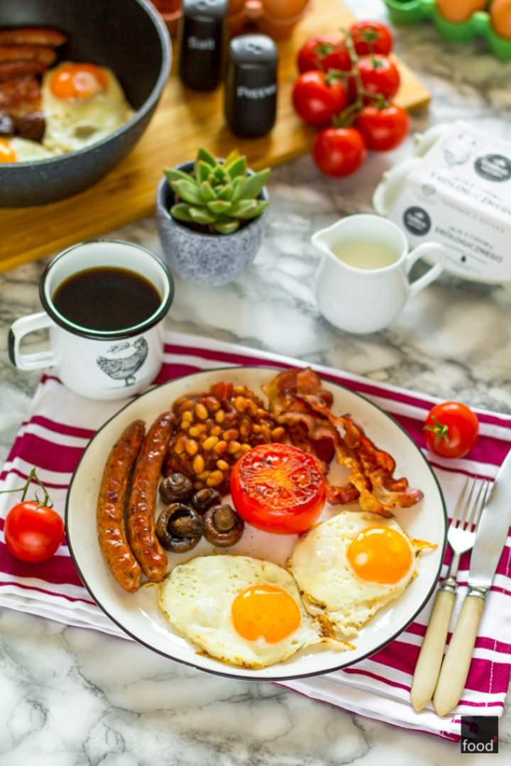 Full English breakfast, czyli mocarne angielskie śniadanie