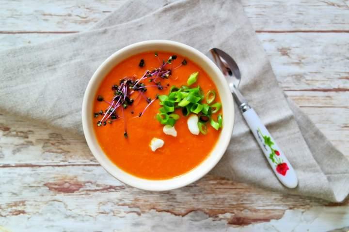 Pomidorowa zupa krem z soczewicą