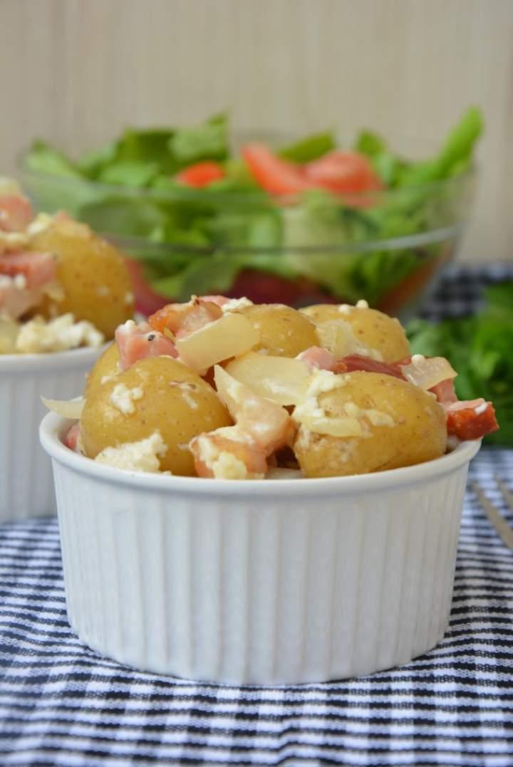 Zapiekane ziemniaki z boczkiem i twarogiem