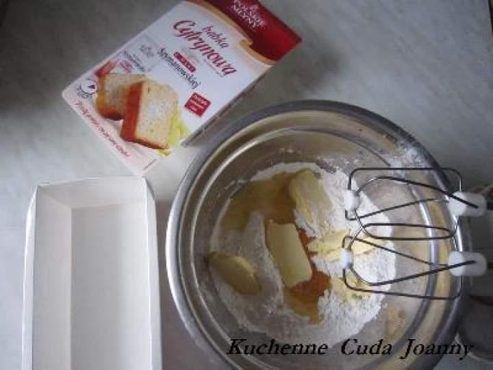 Babka Cytrynowa – 3 składnikowa w 5 minut