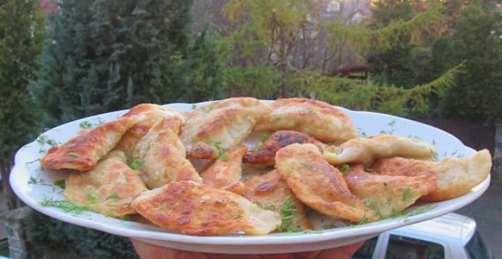 Pierogi ziemniaczane z wędzonym serem