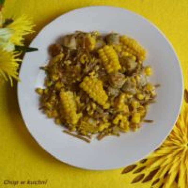 Majs ze wōsztym (Kukurydza z kiełbasą)