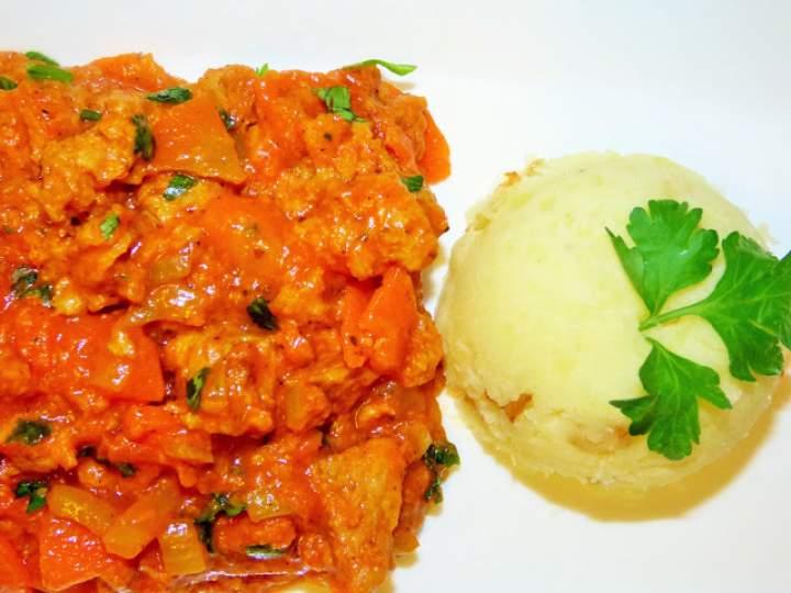 Gulasz sojowy z marchewką