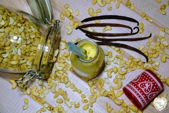 nerkowce + kurkuma + daktyle + cynamon + wanilia