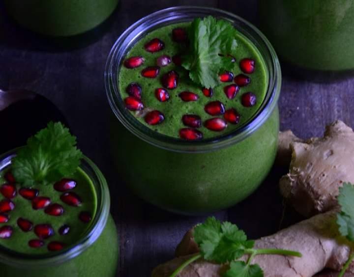 pietruszka + kolendra + imbir + chlorella + jabłko + cytryna + mleko roślinne