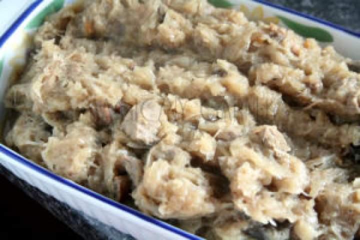 Mój tradycyjny bigos domowy z grzybami i mięsem