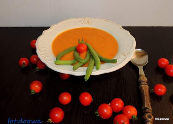 Zupa dyniowo – pomidorowa z fasolką szparagową