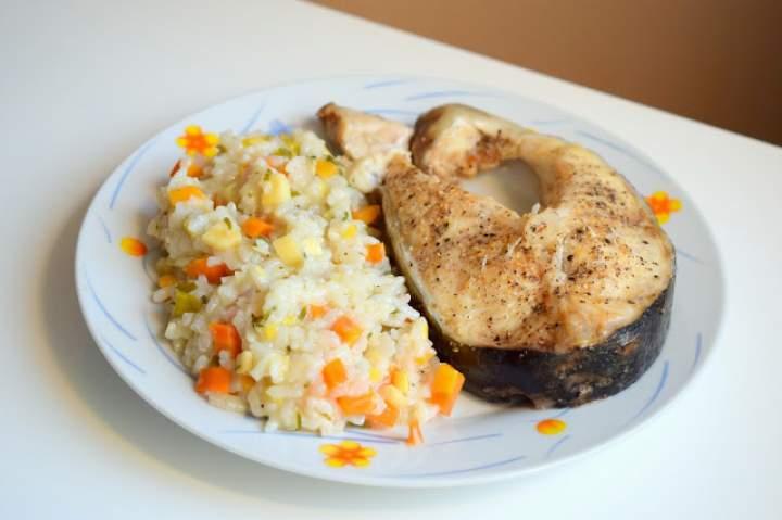 Lekki, zdrowy obiad – ryż z warzywami i rybą – gotuj z MULTICOOKER :)