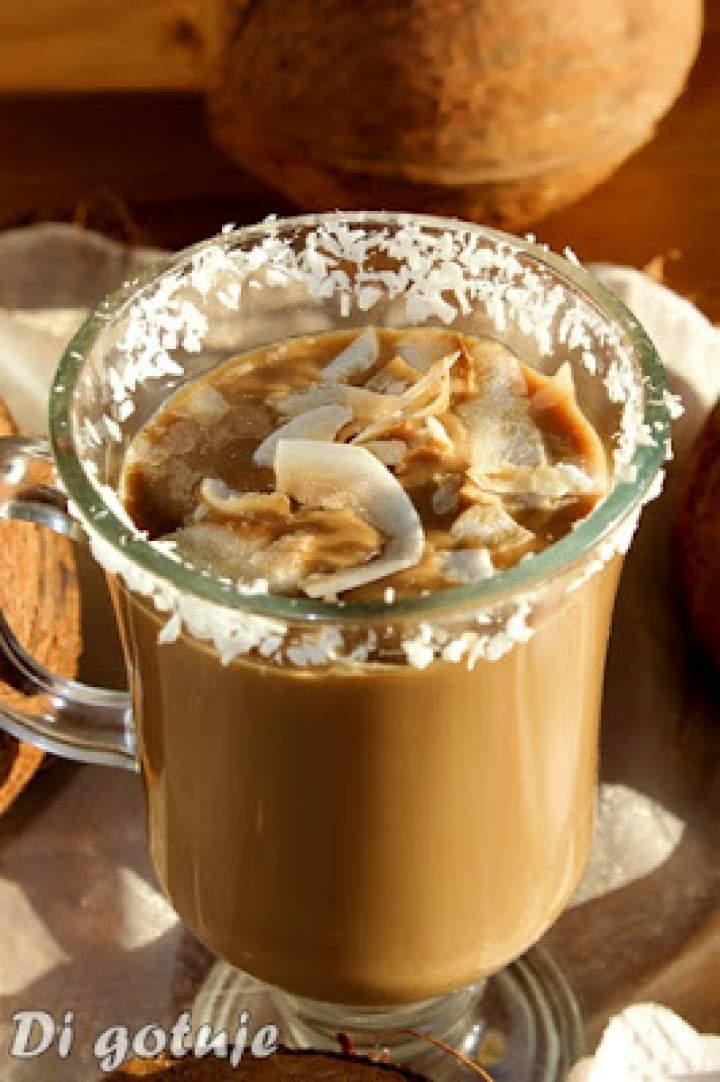 Kawa z mleczkiem kokosowym