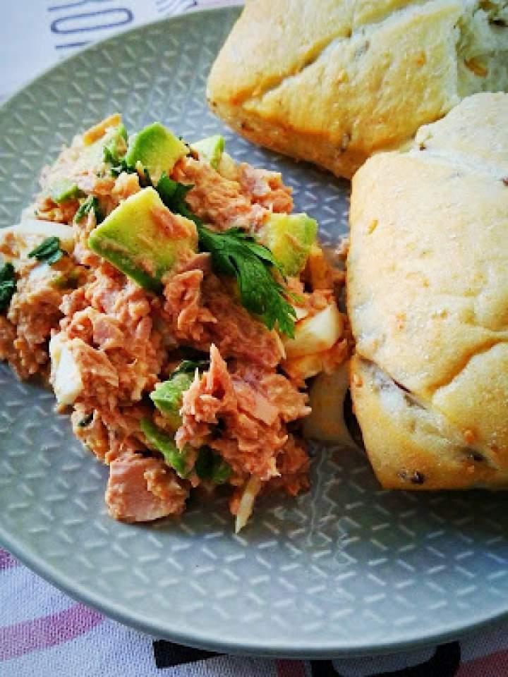 Sałatka z jajka i tuńczyka