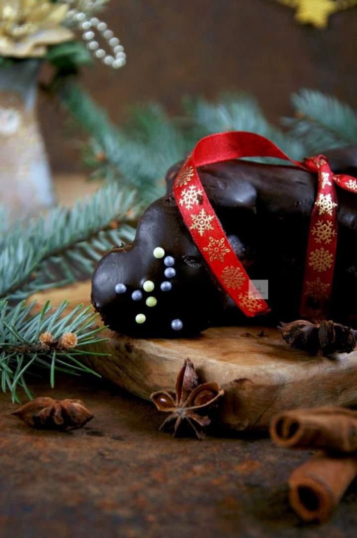 Miękkie orkiszowe pierniczki w czekoladzie