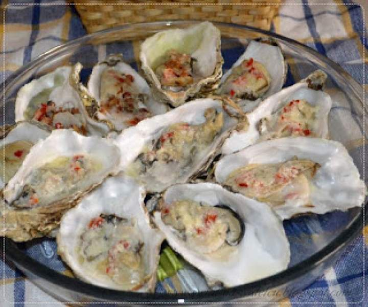 Ostrygi – jak i czym jeść?