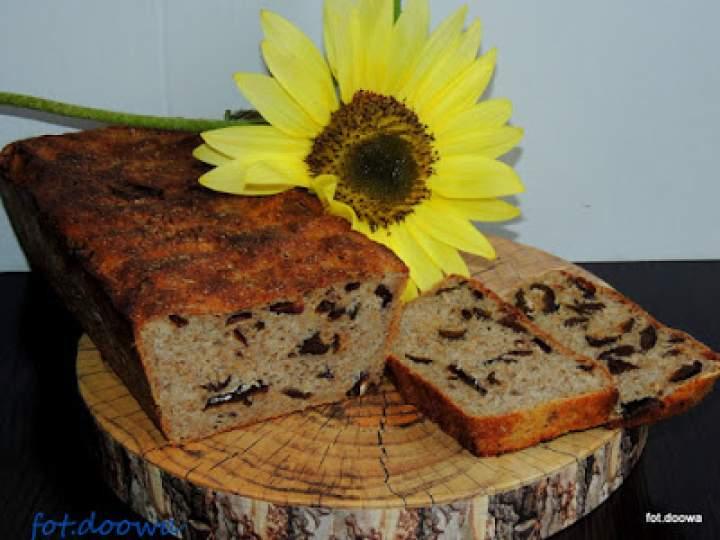 Chleb żytni na zakwasie z suszonymi śliwkami