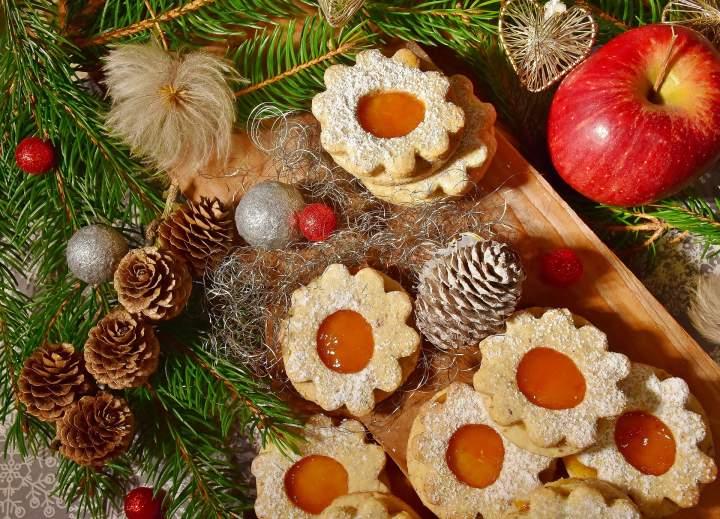 Blachy, tortownice i formy do świątecznych wypieków