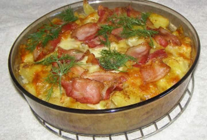 ziemniaki z czosnkiem,boczkiem,mozzarellą z piekarnika…