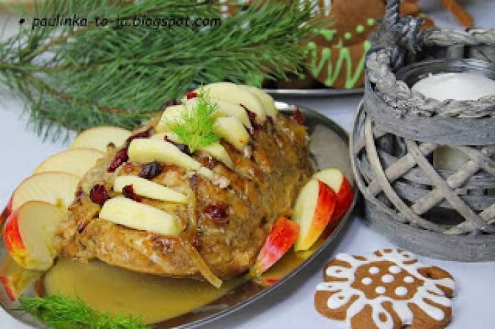 Schab pieczony z jabłkami i żurawiną