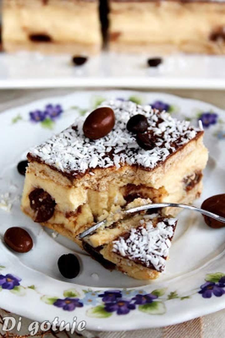 Najlepszy sernik gotowany z rodzynkami w czekoladzie i polewą z nutą kawy