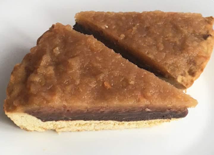 Tarta z jabłkami i kremem czekoladowym