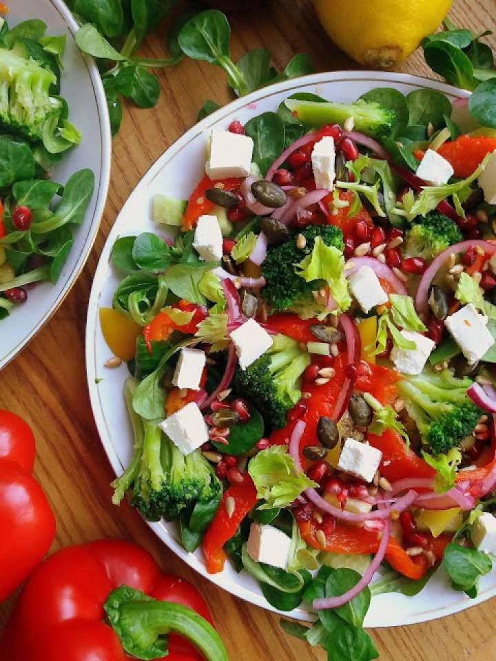 Sałatka Detoks z komosą i pieczoną papryką / Quinoa and Roasted Pepper Detox Salad