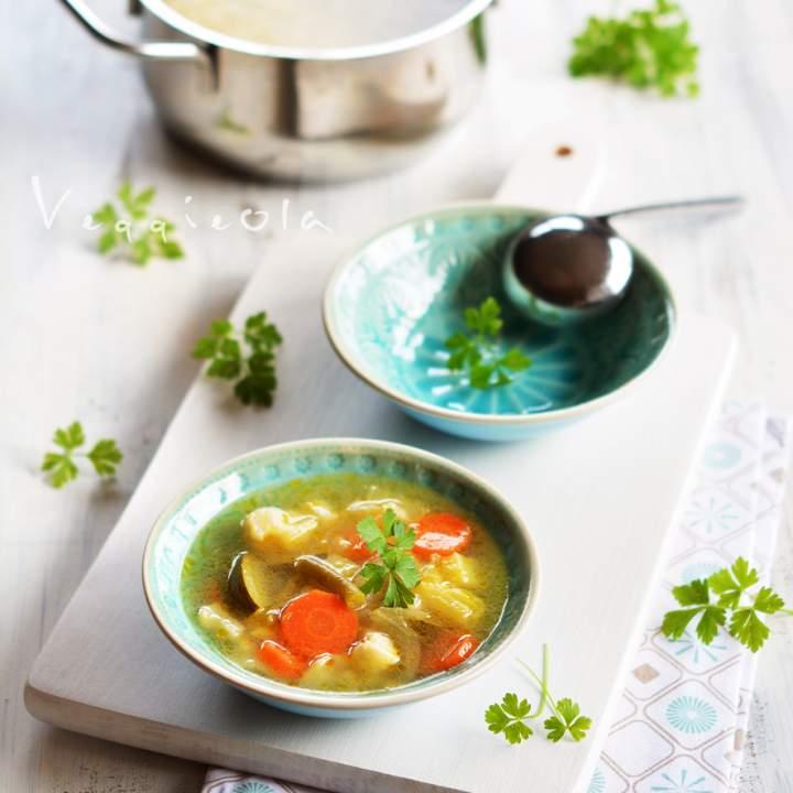 Lekka zupa warzywna na międzyświąteczne dni