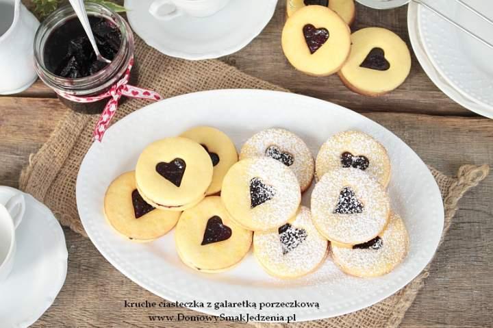 kruche ciasteczka z galaretka porzeczkową