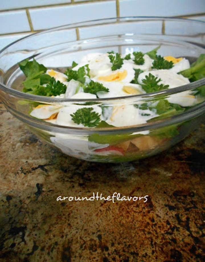 Sałatka warstwowa z jajkiem
