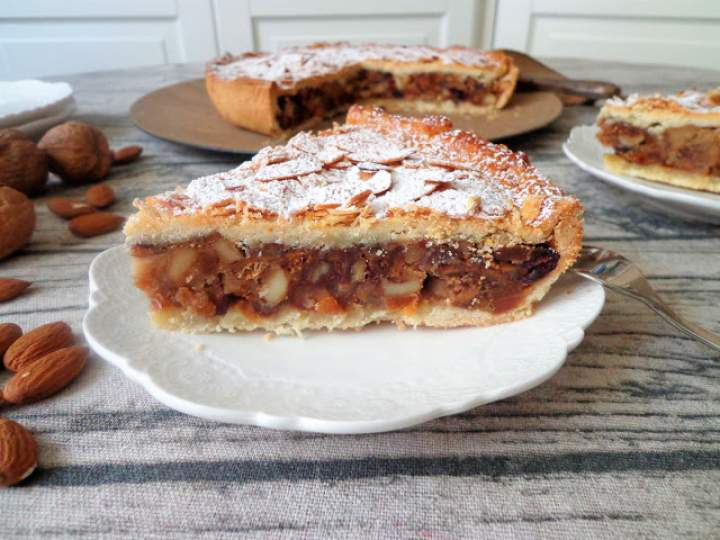 Krucha tarta z bakaliami (Crostata di frutta secca)