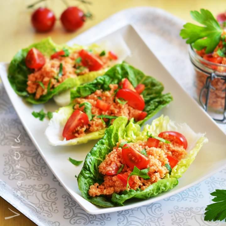 Turecka sałatka z kaszą kuskus (kisir)