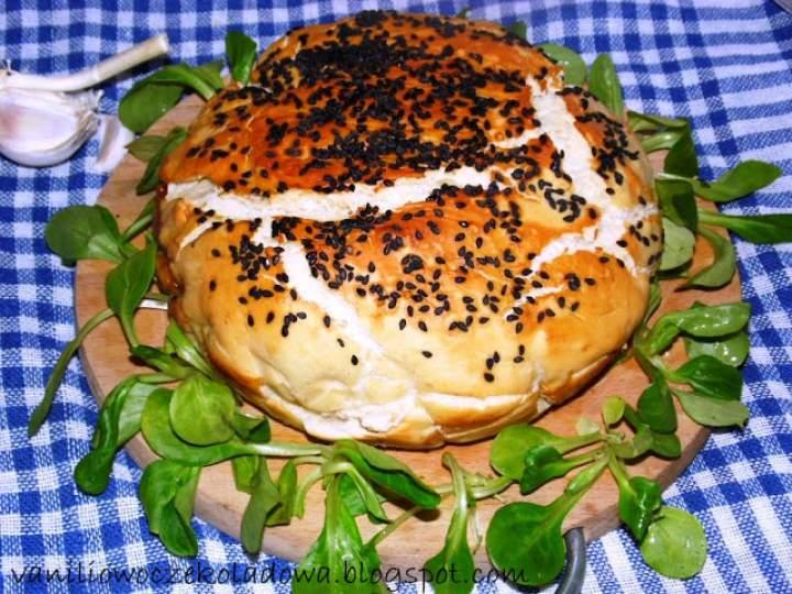 Chleb drożdżowy z farszem