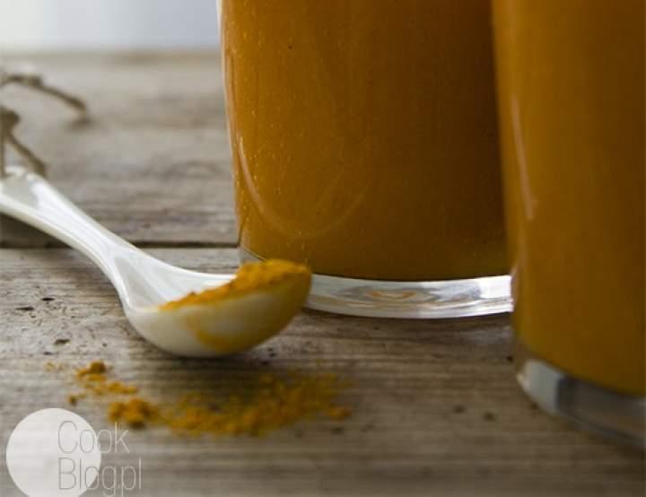 mango + kurkuma + sok marchwiowy + imbir + cynamon + kardamon