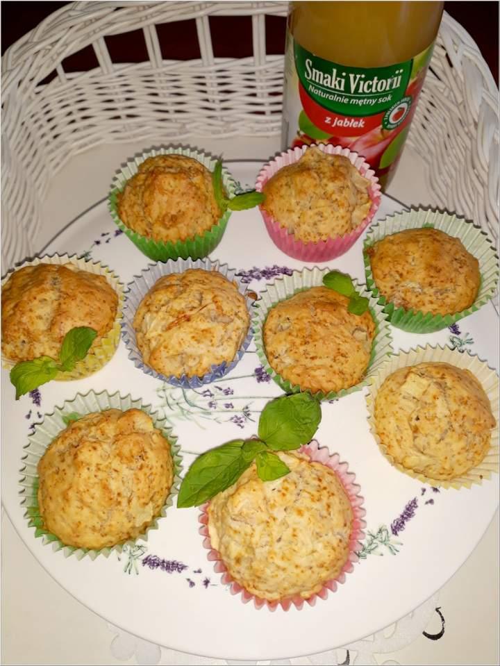 Aromatyczne babeczki na soku jabłkowym (w lżejszej bezmlecznej wersji)