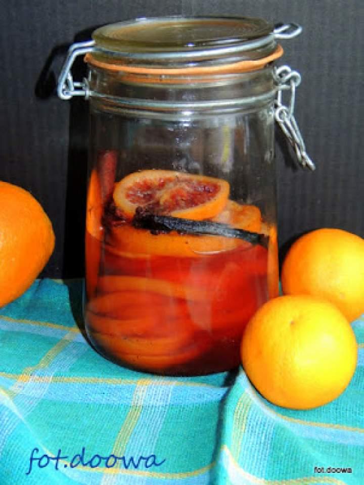 Pomarańcze w syropie winno – korzennym
