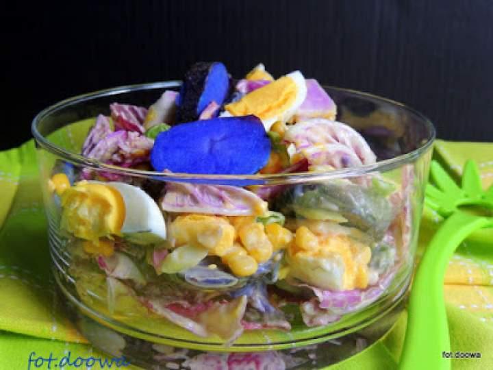 Kolorowa sałatka z majonezem