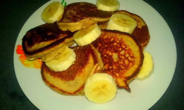 Owsiano-bananowe pancakes