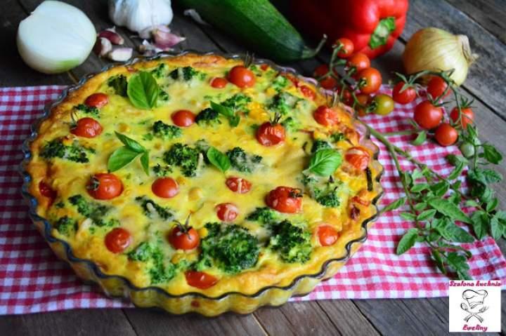 Frittata z brokułem, cukinią i grillowanymi warzywami