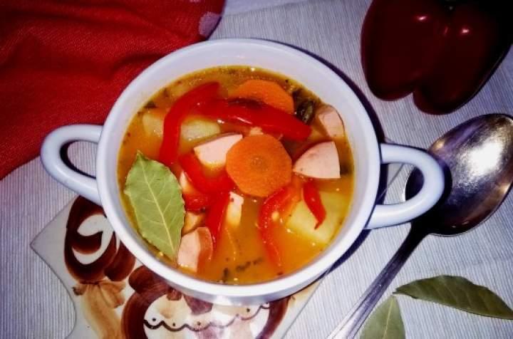 Rozgrzewająca i sycąca zupa gulaszowa